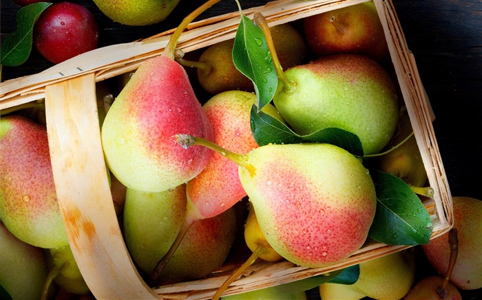 Fresh pears Wallpapers Pictures Photos Images