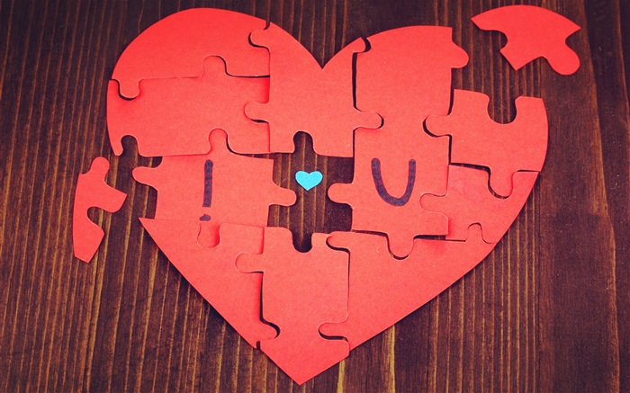 Jigsaw love heart-shaped Wallpapers Pictures Photos Images