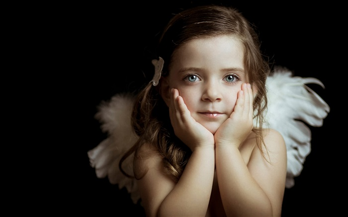 Lovely little angel girl Wallpapers Pictures Photos Images