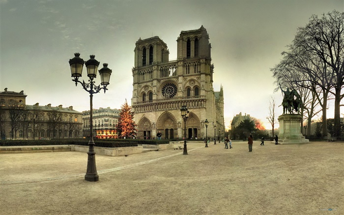 France, Notre Dame, street, people, dusk Wallpapers Pictures Photos Images