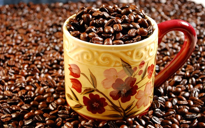 Full cup of coffee beans Wallpapers Pictures Photos Images