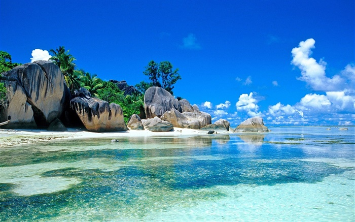 Seychelles Island, beautiful scenery, sea, stones, clouds, beach Wallpapers Pictures Photos Images