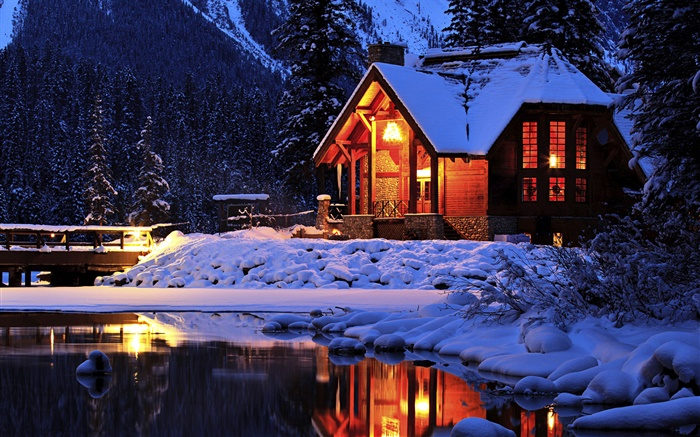 Snow, night, lodge, Emerald Lake, Yoho National Park, Canada Wallpapers Pictures Photos Images