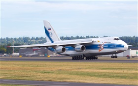 Antonov An-124 Ruslan airplane take off HD wallpaper