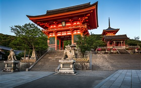 Deva gate, Kiyomizu-dera Temple, Kyoto, Japan HD wallpaper