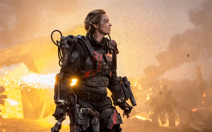 Emily Blunt in Edge of Tomorrow Wallpapers Pictures Photos Images