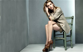 Emma Roberts 03 HD wallpaper