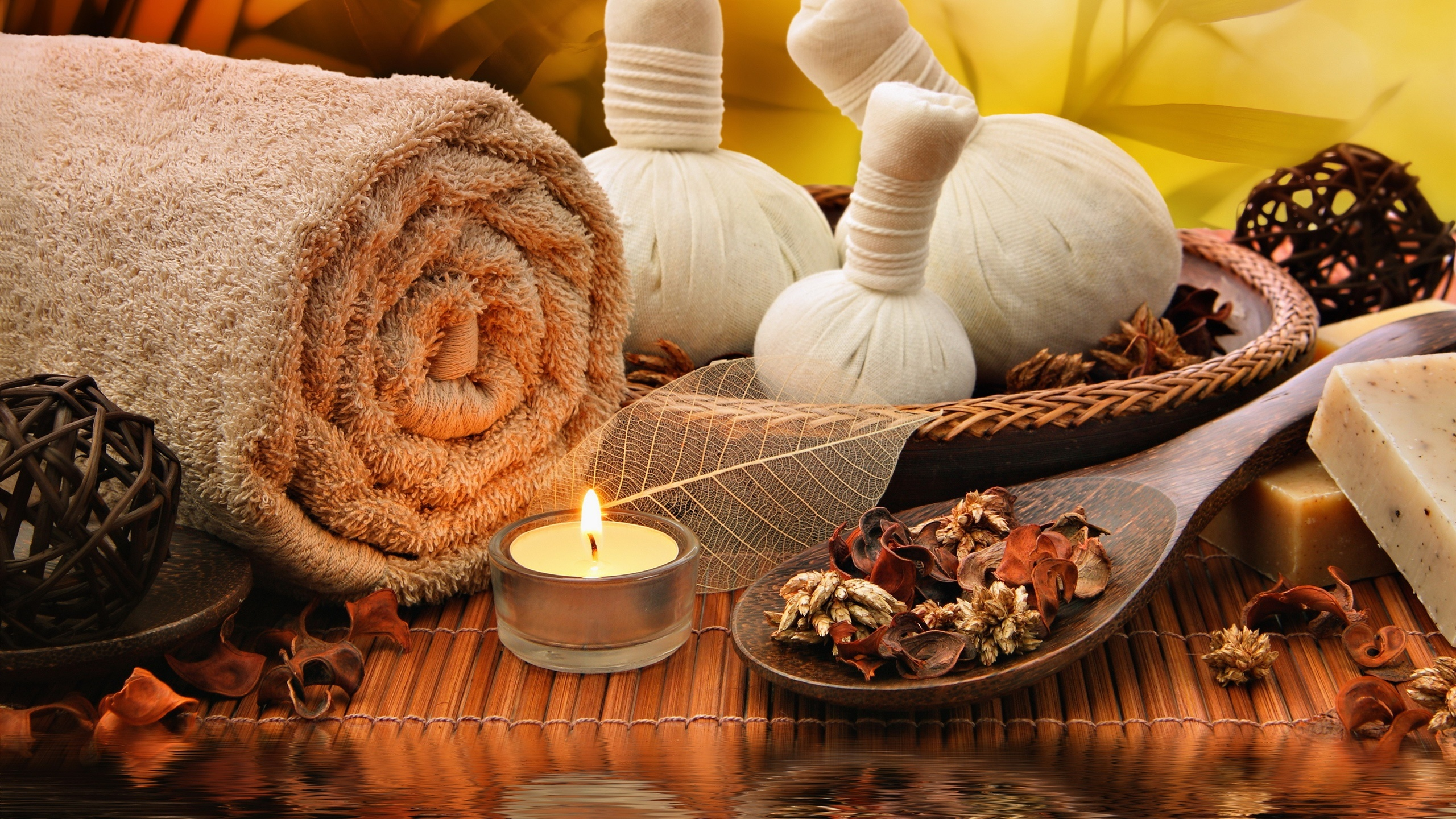 Towel, candle, salt, SPA 2560x1440 wallpaper