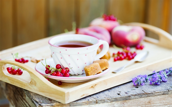 A cup of tea, red berries Wallpapers Pictures Photos Images