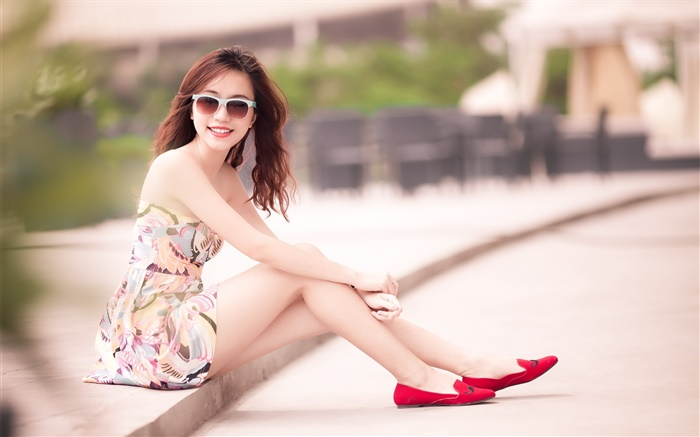 Asian girl, sitting street, glasses Wallpapers Pictures Photos Images