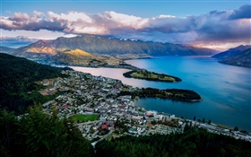 Queenstown, New Zealand, city, Lake Wakatipu, bay, mountains, houses HD wallpaper
