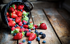 Fresh fruits, red berries, strawberries, raspberries, blackberries, blueberries HD wallpaper