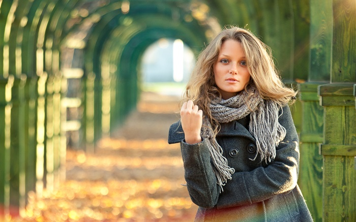 Blonde girl, portrait, autumn Wallpapers Pictures Photos Images
