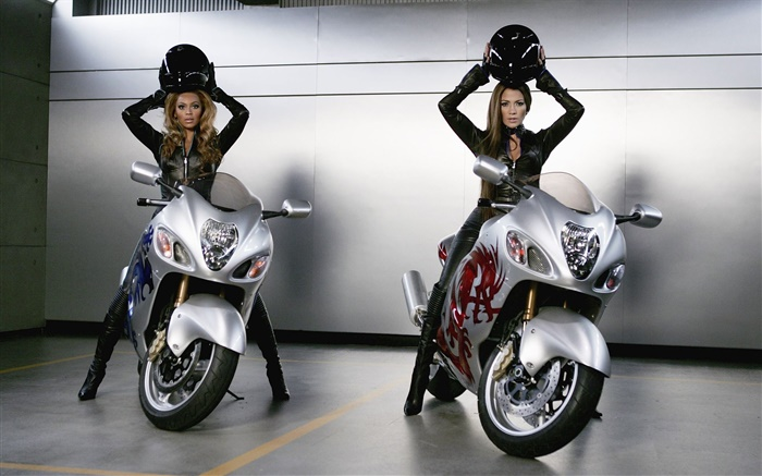 Girls and motorcycles Wallpapers Pictures Photos Images