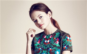 Mackenzie Foy 01 HD wallpaper