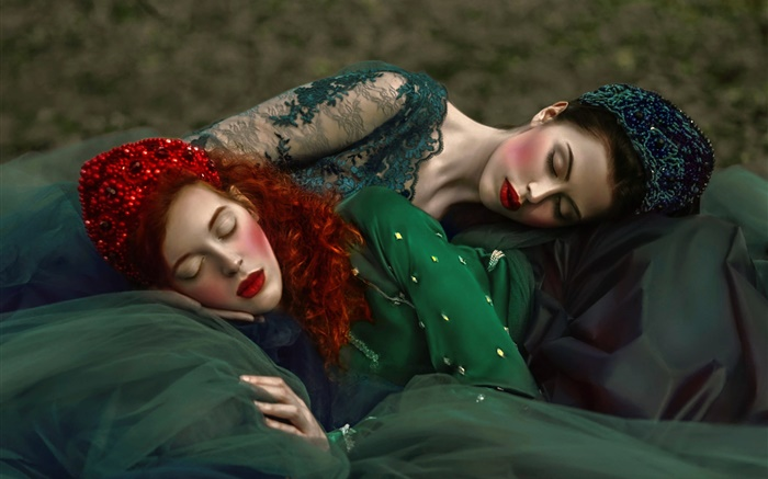 Two girls sleep, retro style Wallpapers Pictures Photos Images