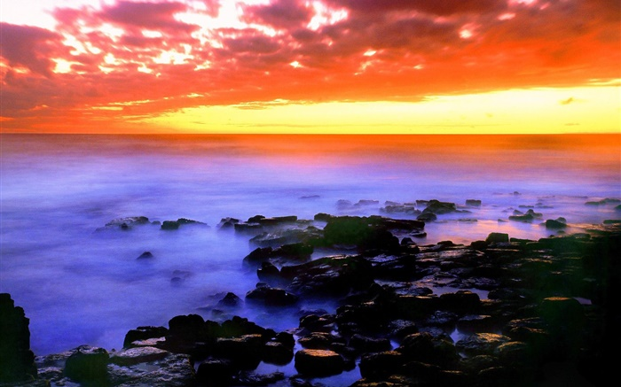 Beautiful red sky, sunset, sea, stones, Hawaii, USA Wallpapers Pictures Photos Images