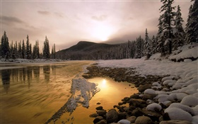 Beautiful sunset in winter, forest, snow, mountains, river HD wallpaper