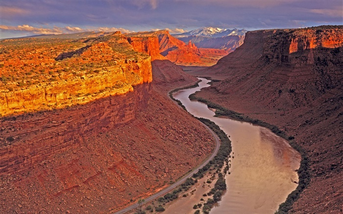 Canyon, river, red rocks, dusk Wallpapers Pictures Photos Images