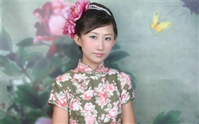 Chinese cheongsam girl