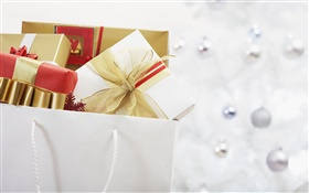 Christmas gifts in the bag HD wallpaper