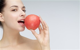 Girl want to eat apple HD wallpaper