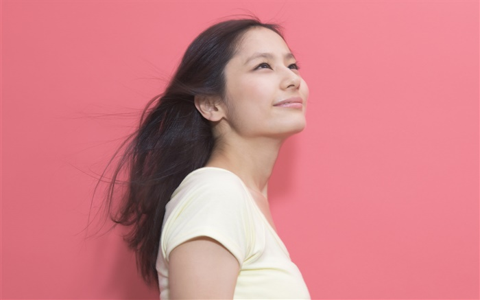 Smile Asian girl, pink background Wallpapers Pictures Photos Images