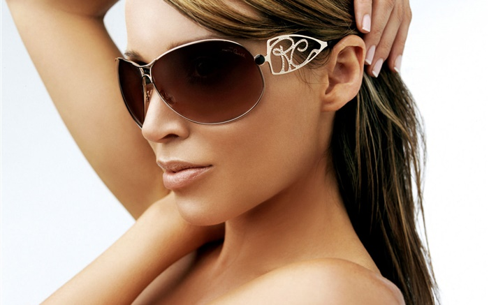 Sunglass girl Wallpapers Pictures Photos Images