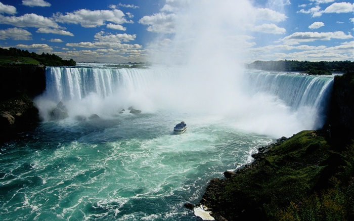 Niagara Falls, waterfalls, Canada, boat, clouds Wallpapers Pictures Photos Images