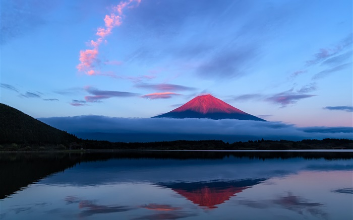 Japan, Fuji mountain at evening, lake, water reflection Wallpapers Pictures Photos Images