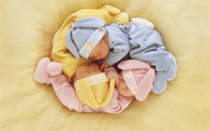 Three cute babies sleeping Wallpapers Pictures Photos Images