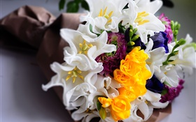 Bouquet flowers, white and yellow tulips HD wallpaper