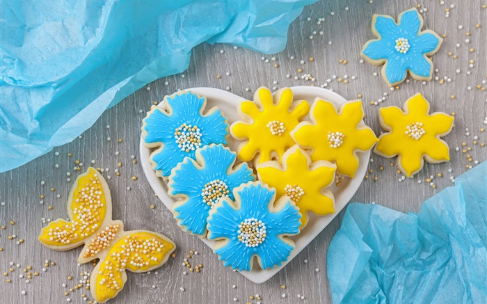 Cookies, flowers, butterfly, love hearts, beads Wallpapers Pictures Photos Images
