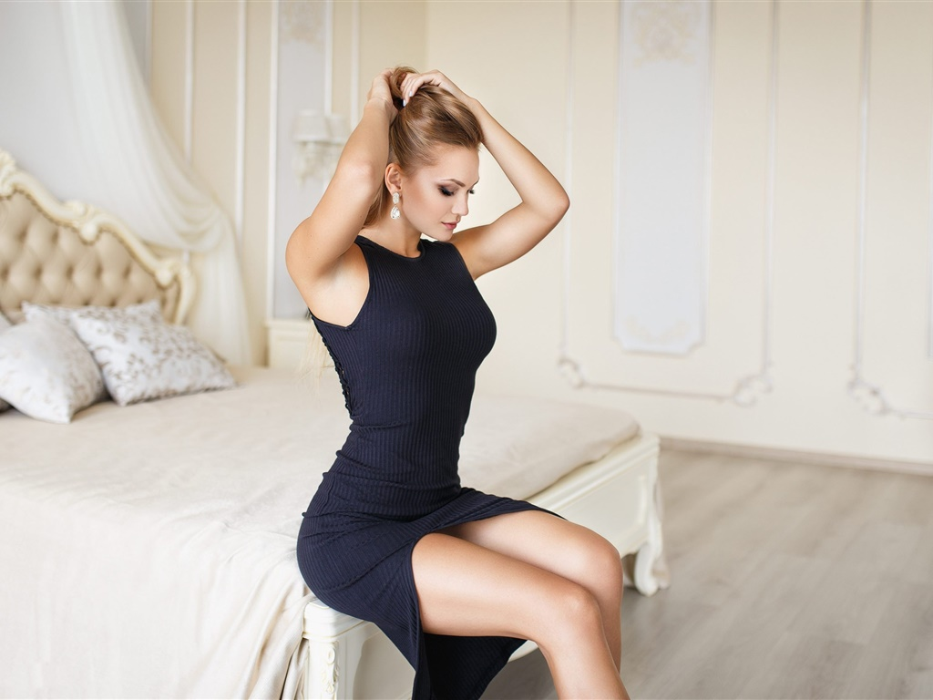 Black dress girl, bedroom, bed, hairstyle 1024x768 wallpaper