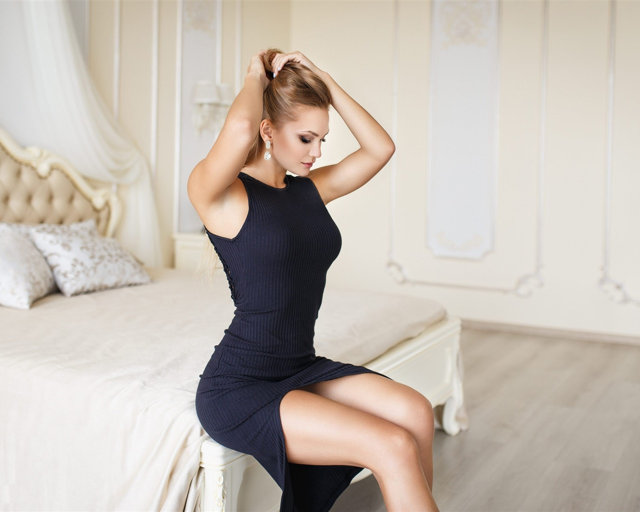 Black dress girl, bedroom, bed, hairstyle 1280x1024 wallpaper