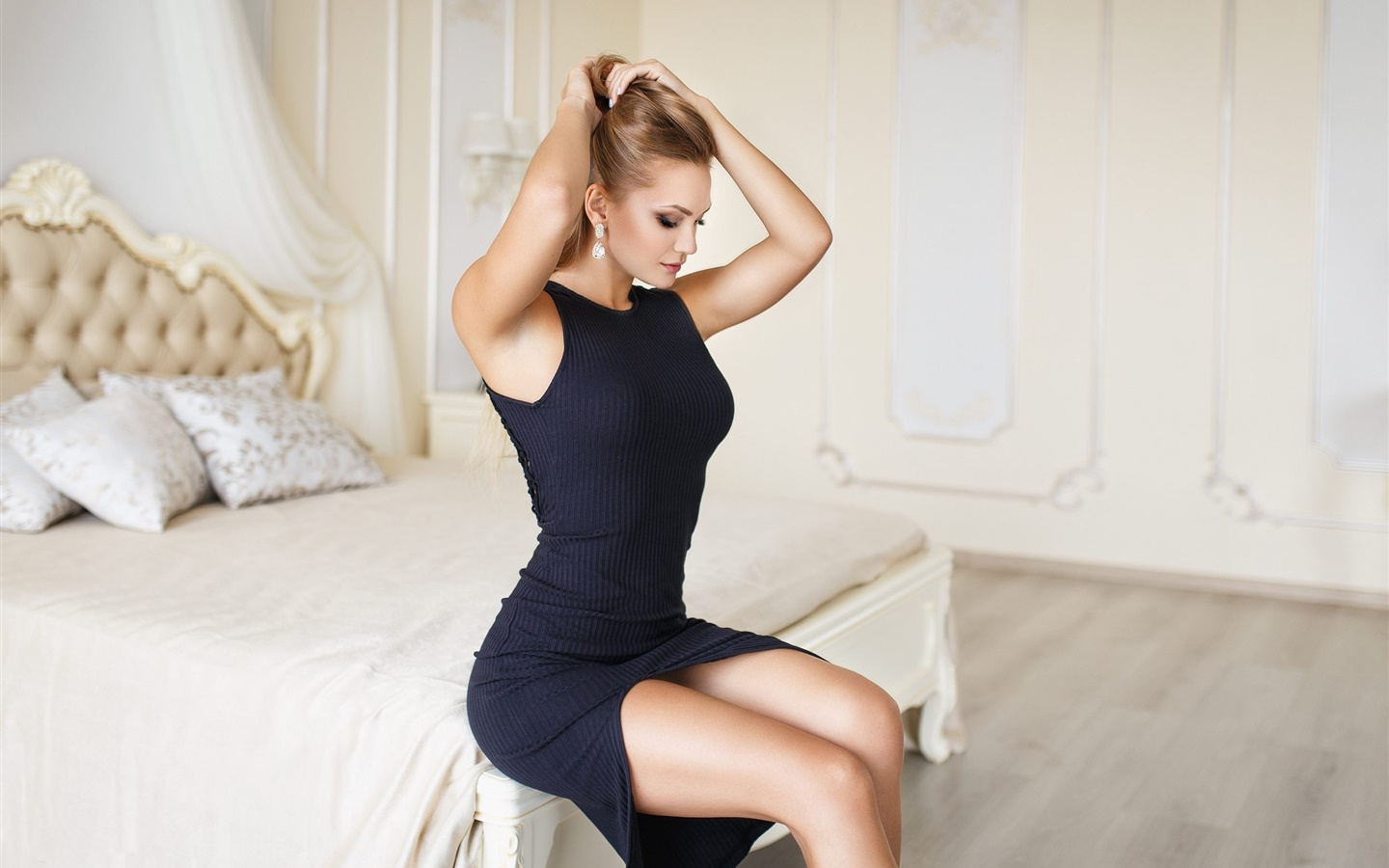 Black dress girl, bedroom, bed, hairstyle 1440x900 wallpaper