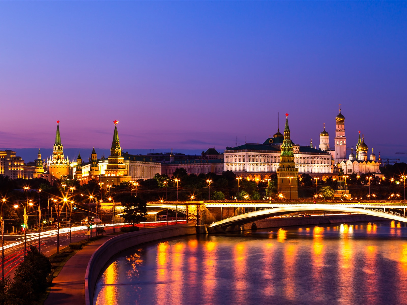 The Kremlin, Russia, Moscow, night city, river, lights 1600x1200 wallpaper