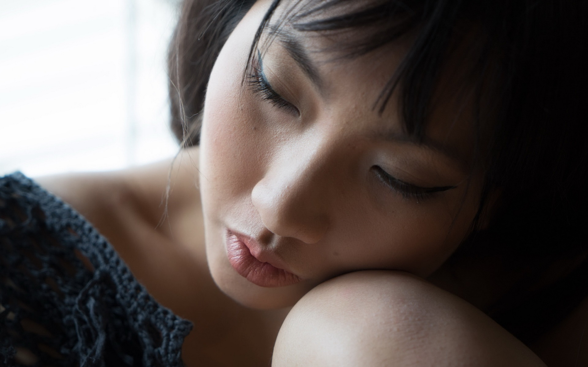 Asian girl sleeping 1920x1200 wallpaper