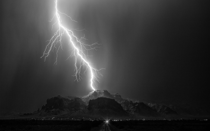 Lightning, mountain, night Wallpapers Pictures Photos Images