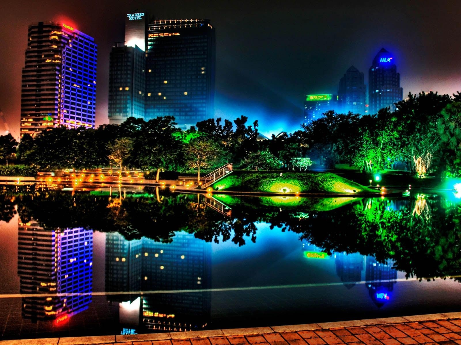 Beautiful night city, buildings, pond, lights, trees, park 1600x1200 wallpaper